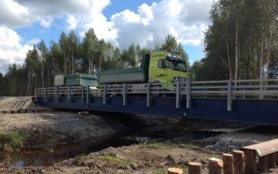 Bro över Lörbäcken